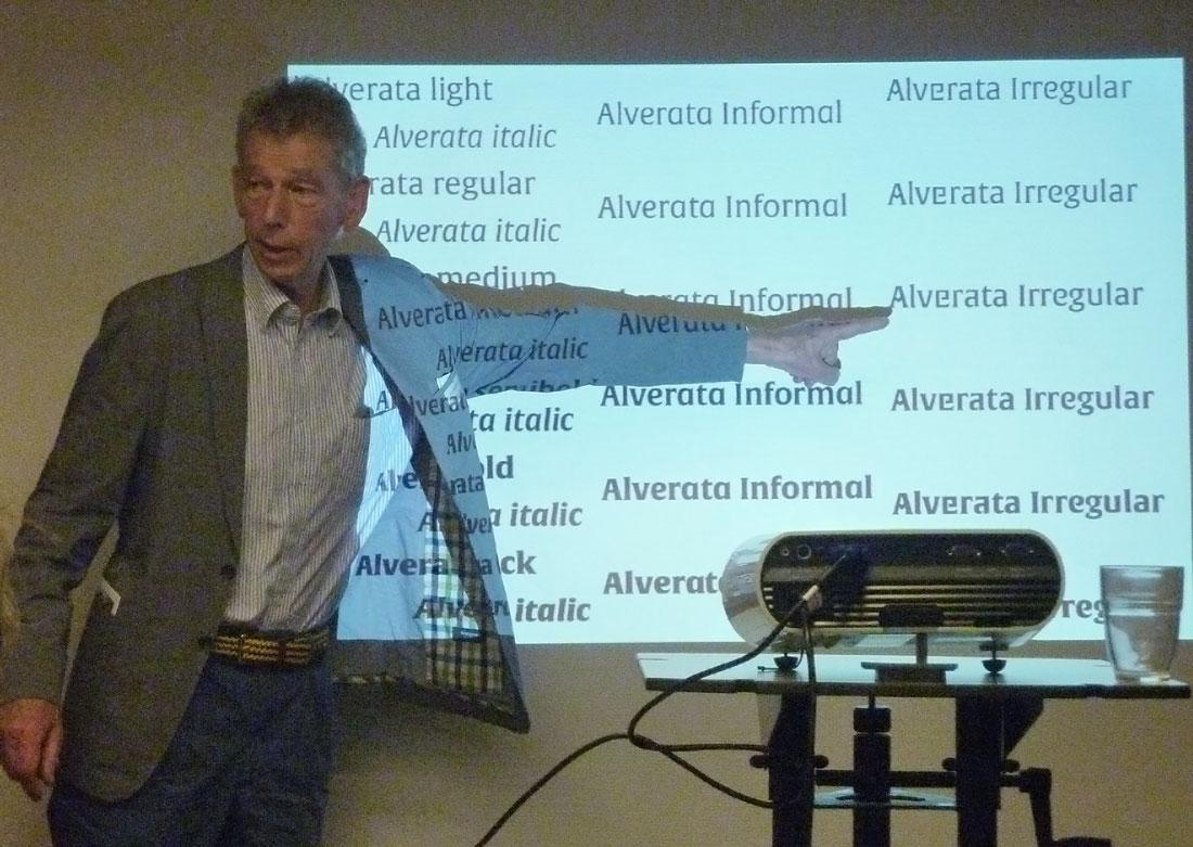 Gerard Unger stelt de vele fonts voor in de Alverata
